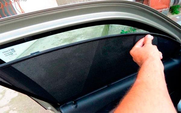 Быстросъемная тонировка - каркасные автомобильные шторки на магнитах