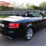 Audi A4 кабриолет черного цвета