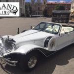 Ретро кабриолет Excalibur Phantom на праздник