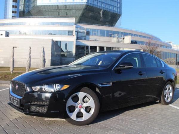 Аренда Jaguar XE 2017