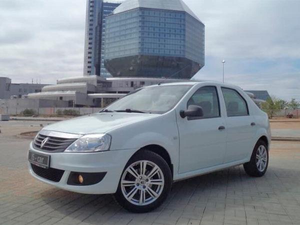 Renault Logan белый 2015